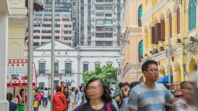 Hong kong street city with crown people. video