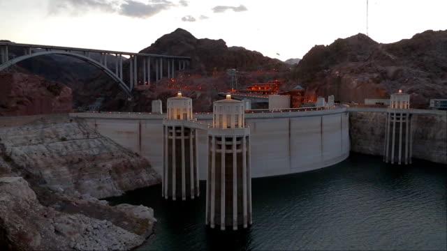 vídeos de stock, filmes e b-roll de represa de hoover e o lago mead - penedo
