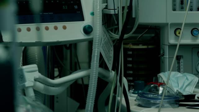 sjukhus. intensivvårdsavdelning - intensivvårdsavdelning bildbanksvideor och videomaterial från bakom kulisserna