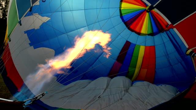 sıcak hava balonu - zeplin stok videoları ve detay görüntü çekimi