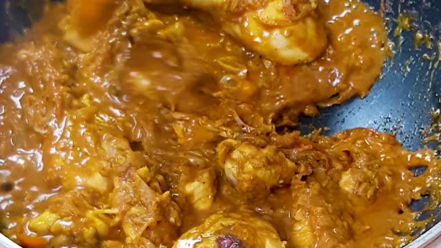 hot chicken curry - oman video stock e b–roll