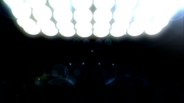 温かい照明ループ、hd ビデオ - サッカークラブ点の映像素材/bロール