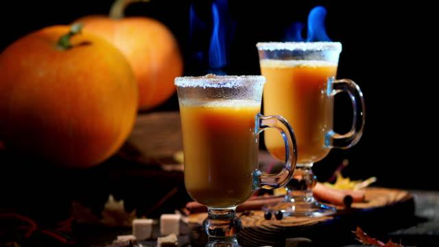 Hot pumpkin pie cocktail