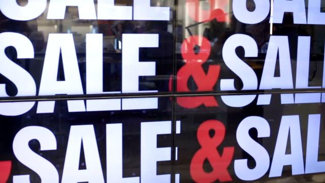 stockvideo's en b-roll-footage met hot koop - discountwinkel