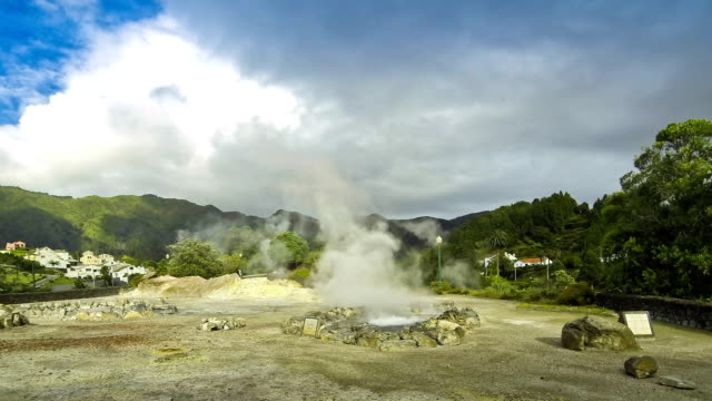 stockvideo's en b-roll-footage met hete thermale bronnen in furnas dorp, sao miguel island, azoren, portugal - geologie