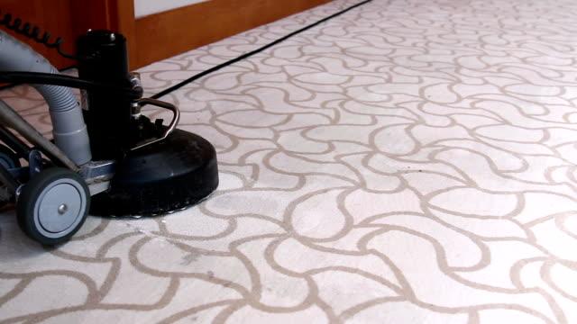 hotel carpet lavatrice-hotel servizio di pulizia - moquette video stock e b–roll