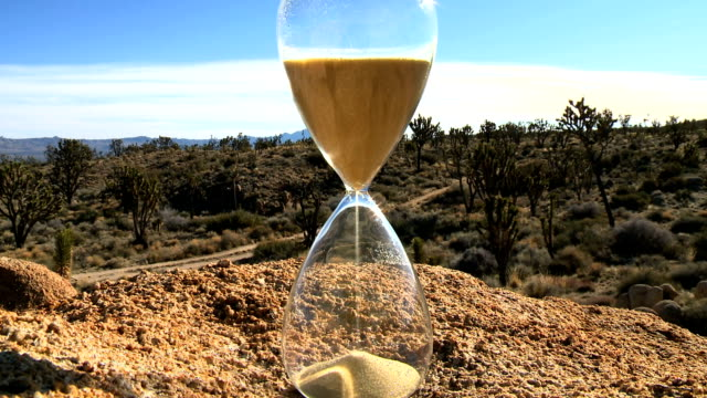 hour glass timelapse video