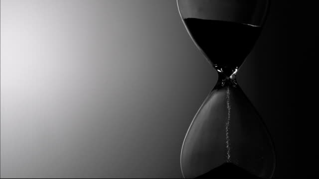 Hourglass, Slow motion video