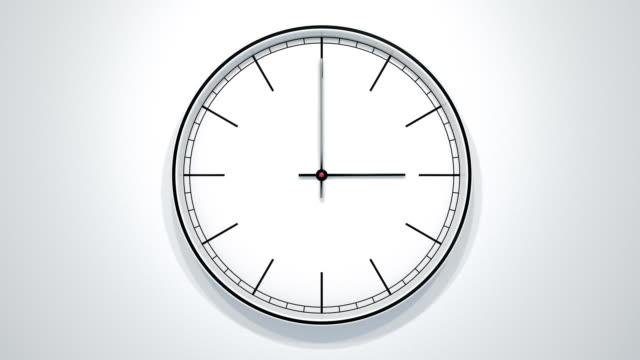 vidéos et rushes de timelapse de 12 heures de l'horloge minimaliste moderne mur blanc. - cadran