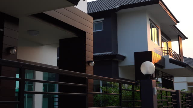 House, dolly shot 4k Modern house, dolly shot 4k modern house stock videos & royalty-free footage