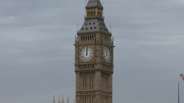 Houses of Parliament & Big Ben video