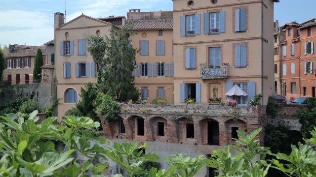 Houses Perched Above River Typical Houses Perched Above Tarn River In Albi, View From The Pont Vieux (Old Bridge), South Of France, Occitanie, Europe french architecture stock videos & royalty-free footage