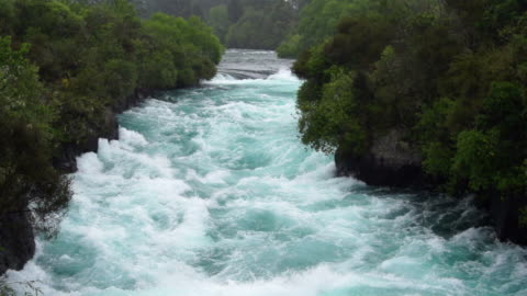 moviola: cascate huka nz - canyon video stock e b–roll