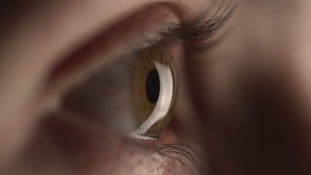 4 k-human eye - blinzeln stock-videos und b-roll-filmmaterial