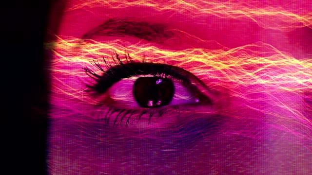 Menschliche Auge mit digitalen Füllmethode. – Video