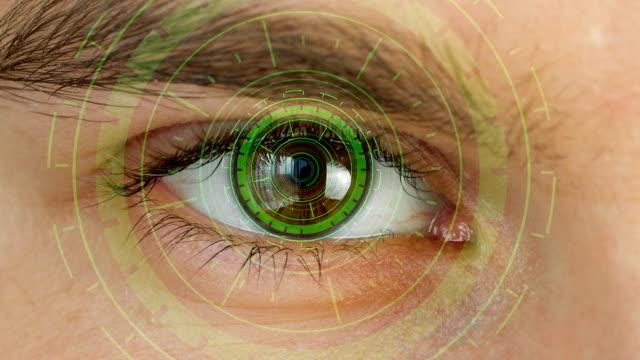 vidéos et rushes de oeil humain avec le système futuriste de vision - rétine