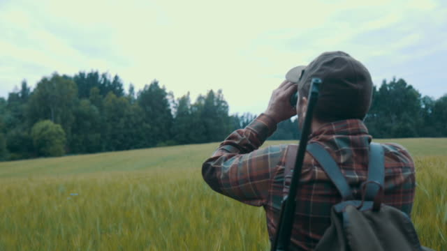 hunting (slow motion) - cacciatore video stock e b–roll
