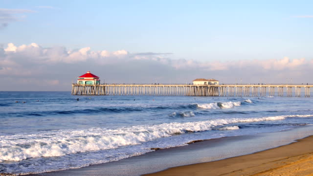 huntington beach pier - molo video stock e b–roll
