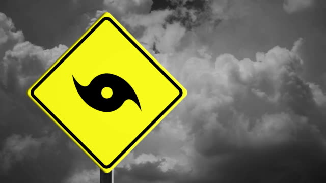 hurrikan-warnung - richtung stock-videos und b-roll-filmmaterial