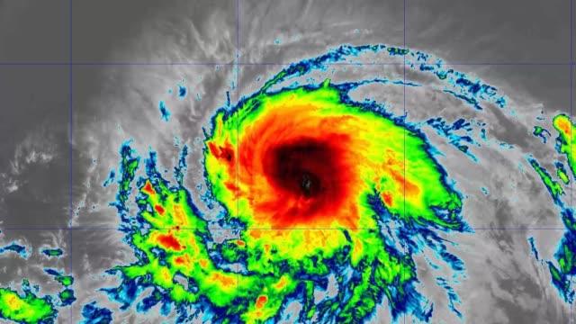 vídeos de stock e filmes b-roll de 2019 hurricane barbara band 15 - oceano pacífico