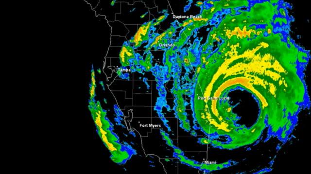 vidéos et rushes de ouragan frances (2004) landfall temps qui passe - endommagé