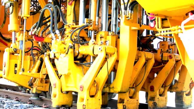 Hydraulic machines work. video
