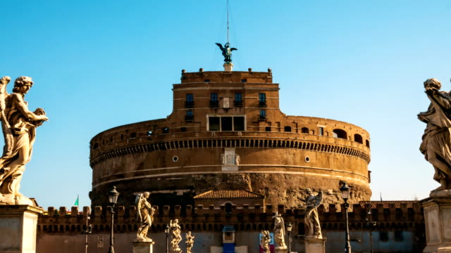 vidéos et rushes de hyper déchéance vers le château de sant angelo, rome - rome