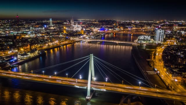 Hyperlapse : Cologne Cityscape at Night, Germany