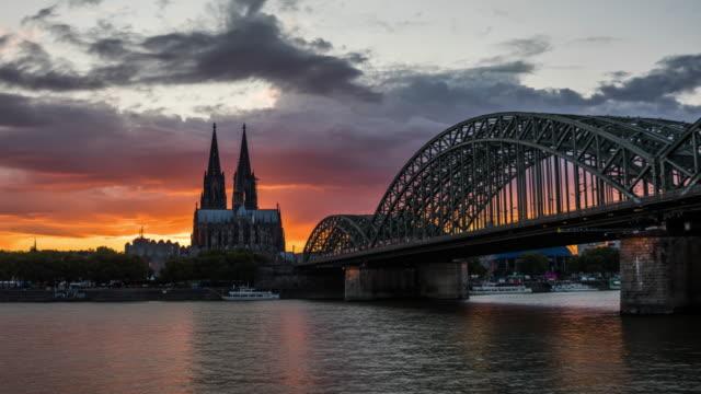 Hyperlapse of Cologne Skyline at Sunset - 4K Cityscapes, Landscapes & Establishers