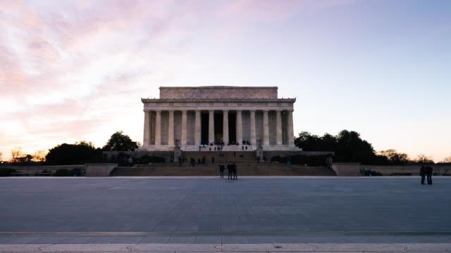 링컨 기념관의 hyperlapse - 와이드 샷 스톡 비디오 및 b-롤 화면