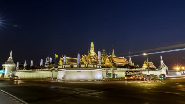4K Hyperlapse : Wat Phra Keao Temple or Grand Palace of Thailand Landmark Temple of the Emerald Buddha, Bangkok City, Thailand. Day to Night.