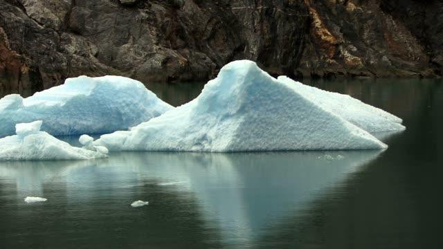 ice flow in alaska - alaska stato usa video stock e b–roll