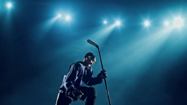 ice hockey player - hockey stock-videos und b-roll-filmmaterial