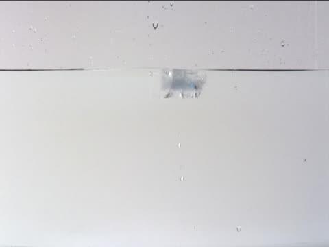icecubes - donmuş su stok videoları ve detay görüntü çekimi