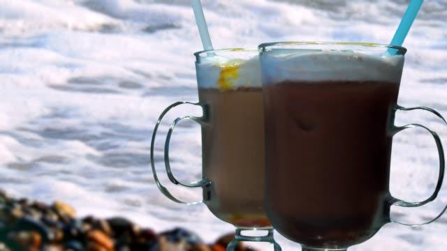 vídeos de stock e filmes b-roll de iced coffee drinks - café gelado