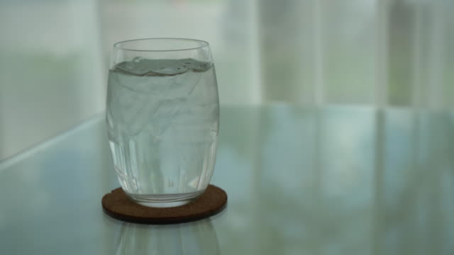 iced water on dinning table video