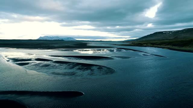 isländska kusten under lågvatten. flygfoto - kustlinje bildbanksvideor och videomaterial från bakom kulisserna