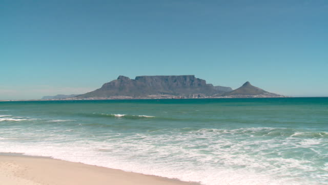 iconic view of table mountain, cape town zoom out of table mountain, cape town, south africa cape peninsula stock videos & royalty-free footage