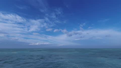 idylliczne tło morskie - horyzont wodny filmów i materiałów b-roll