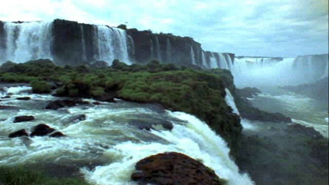 водопады игуасу - парагвай стоковые видео и кадры b-roll