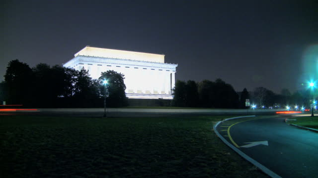 LOOP Illuminated Lincoln Memorial with Traffic video