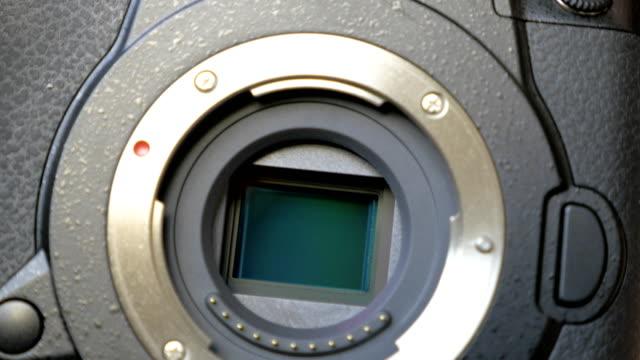 stockvideo's en b-roll-footage met beeldstabilisatie mechanisme op de sensor van mirrorless camera - photography curtains