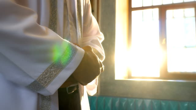 imam prays i moskén - pilgrimsfärd bildbanksvideor och videomaterial från bakom kulisserna