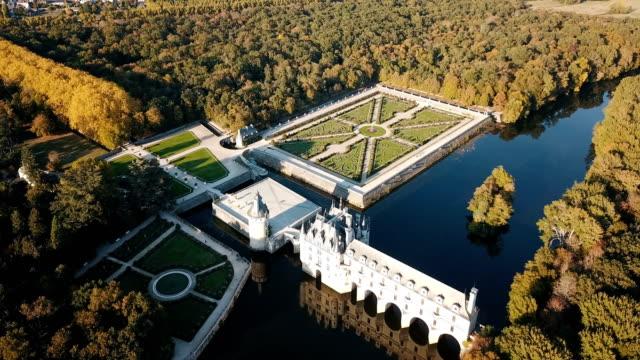 vídeos y material grabado en eventos de stock de impresionante castillo medieval de chenonceau - francia