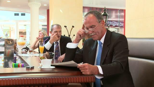 HD DOLLY: In A Café video