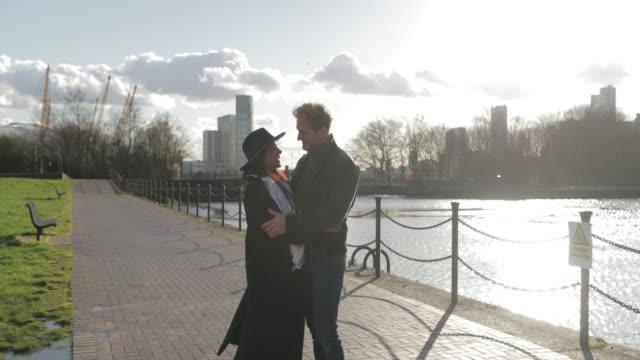 in each others arms - true love angielski zwrot filmów i materiałów b-roll