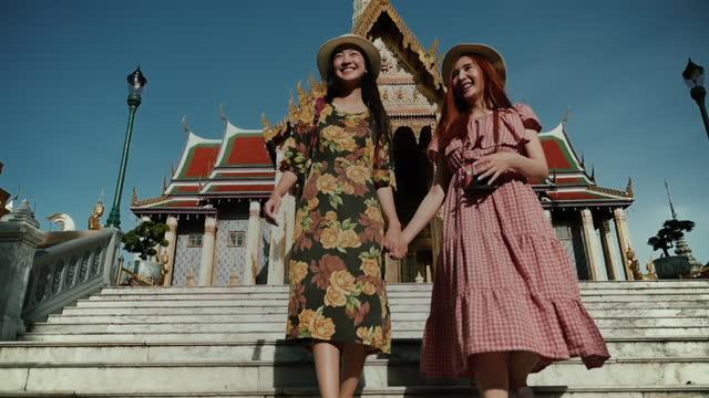 穏やかな安定した場所で - 仏塔点の映像素材/bロール