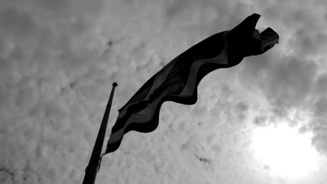 stockvideo's en b-roll-footage met in de dag van thailand, een belangrijk persoon verloren - funeral crying