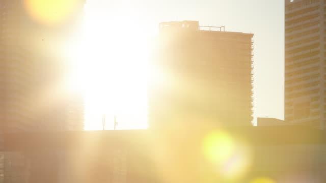豊洲で東京タイムラプス - 朝日点の映像素材/bロール