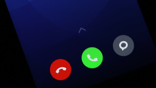 vídeos y material grabado en eventos de stock de llamada entrante en la pantalla del smartphone - principios